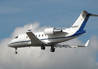 Bombardier Challenger 600 series - A Challenger 604 shortly before landing