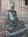 Bouddha dans la galerie du Vat Phra Kèo (Vientiane) (4346162068).jpg