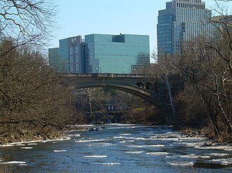 Brandywine Creek (Christina River tributary) - Brandywine Creek in Brandywine Park near downtown Wilmington in February 2007, looking downstream toward Washington Street Bridge