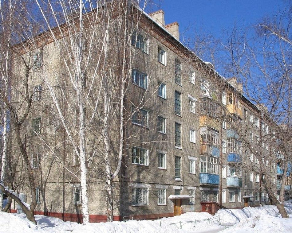 Brick Khrushchev house in Tomsk