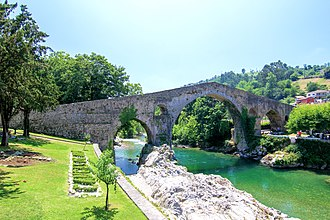 Cangas de Onís - Image: Bridge over Rio Sella in Cangas de Onís