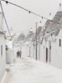 Bufera di neve su Alberobello.png