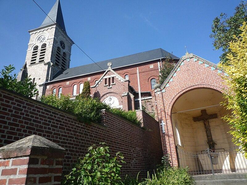 Église Saint-Pierre Saint-Paul de Bugnicourt, Nord, Nord-Pas-de-Calais, France.