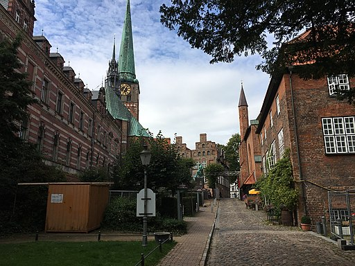 Buildings in Lübeck, Königstraße 1-3 4228