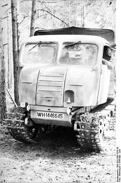 File:Bundesarchiv Bild 101I-280-1078-38, Russland bei Witebsk, Raupenfahrzeug.jpg