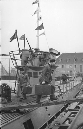 German submarine U-37 (1938) - The crew of U-37 departing the submarine after reaching Wilhelmshaven on 18 April 1940