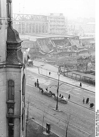 Warszawa Główna railway station - Damaged Warsaw Central Station, seen during the German occupation, November 12, 1939