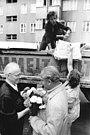 Bundesarchiv Bild 183-P0816-0016, Berlin-Treptow, Altstoffsammlung.jpg