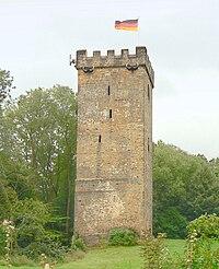 Burg Wohldenberg Bergfried.jpg