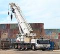 Camión guindastre no porto da Guarda. Galiza G50.jpg