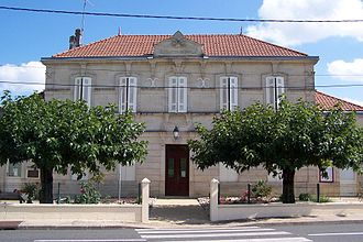 Camiran - Town hall