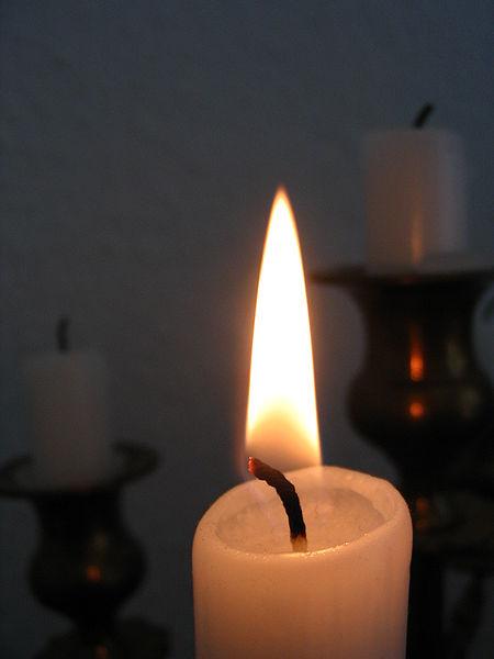 File:Candle 02.jpg