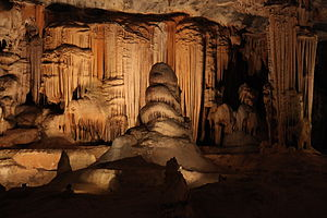 English: Stalagmites and Stalactites in the Ca...