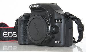 Canon EOS 500D - Image: Canon EOS 500d voorzijde