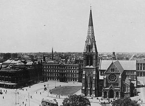 Warner's Hotel - Image: Cathedral Square, 1910 detail