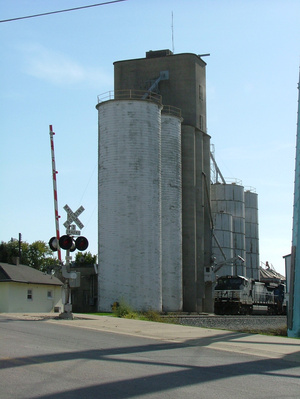 Catlin, Illinois - Grain elevator in Catlin