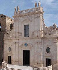 Cattedrale di Castellaneta (TA).jpg