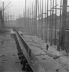 Cecil Beaton Photographs- Tyneside Shipyards, 1943 DB32.jpg
