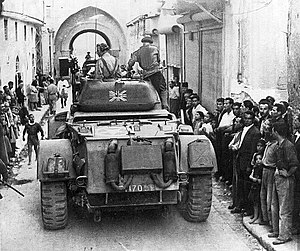 Char-anglais-dans-les-rues-de-damas-syrie-en-1945.jpg
