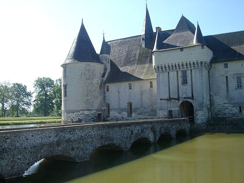 Fichier:Chateau du Plessis-Bourre Vue NE no 03 2004-05-23.JPEG