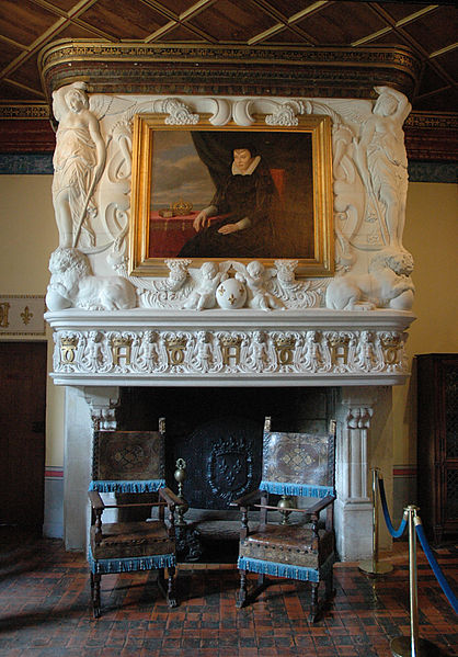 File:ChenonceauChambredeDianedePoitiersFireplace.jpg