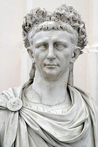 Claudiova busta v Národním archeologickém muzeu v Neapoli
