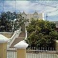 Collectie Nationaal Museum van Wereldculturen TM-20029864 Woningen aan de Pieter Maaiweg gelegen in stadsdeel Punda Curacao Boy Lawson (Fotograaf).jpg