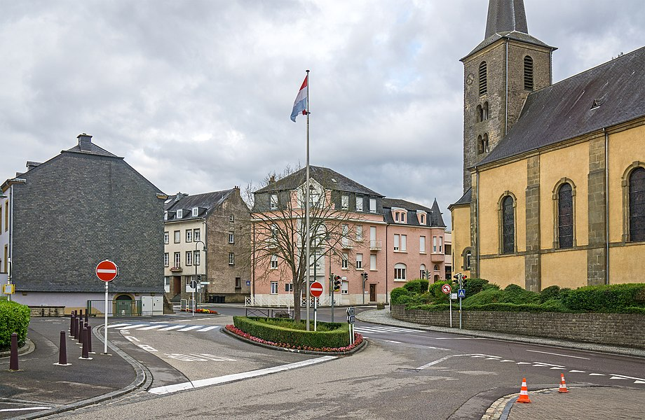 Main crossing in Consdorf at the church