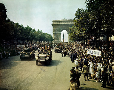 Crowds line the Champs Elysees, 1944