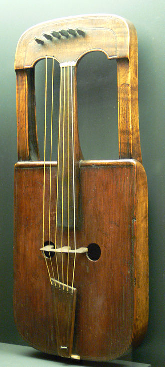 Culture of Wales - Medieval crwth instrument