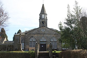 Currie - Currie Kirk and war memorial