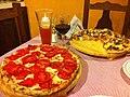 Delicatessen Pizza Il Piccolo (8611918878).jpg