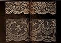 Dentelles et guipures - anciennes et modernes, imitations ou copies. Varieté des genres et des points. 52 portraits documentaires, 249 échantillons de dentelles, collerettes, fraises, manchettes, (14778273235).jpg