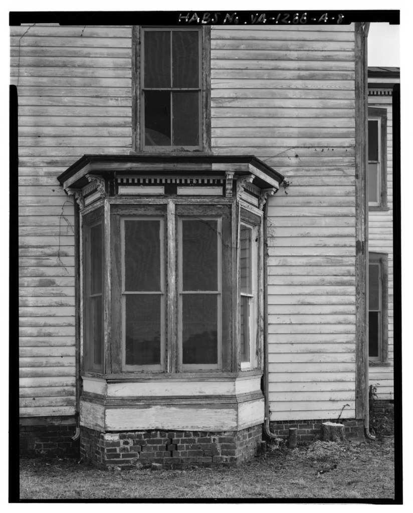 Front Elevation With Bay Window : File detail of west elevation bay window exterior view