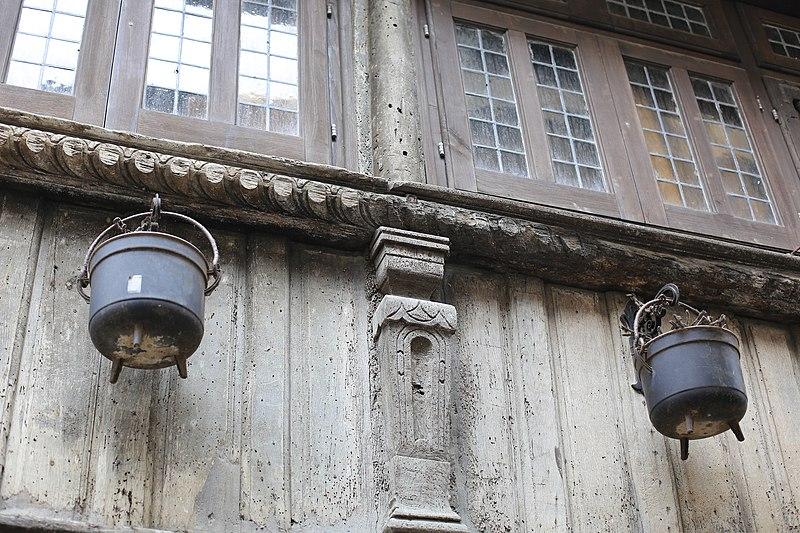 File:Dinan - 8 rue de la Cordonnerie 20130216-01.JPG Исторические памятники Динана, достопримечательности Динана, фотографии Динана