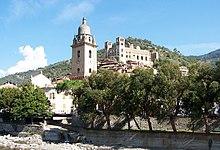 La chiesa di Sant'Antonio abate e il castello Doria