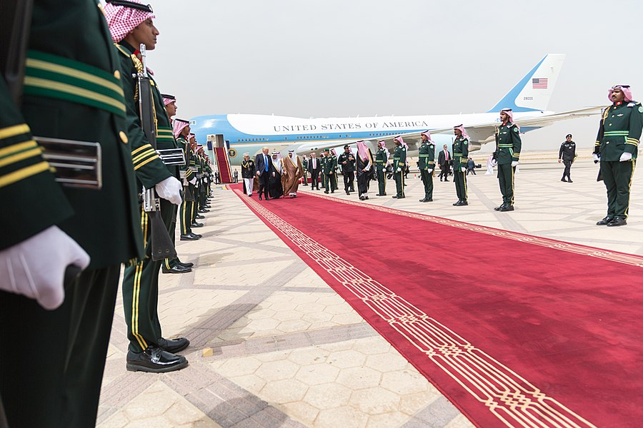 Donald and Melania Trump receive a red carpet welcome by King Salman bin Abdulaziz Al Saud, May 2017 (2).jpg