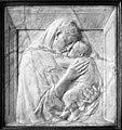 Donatello, Pazzi Madonna.jpg