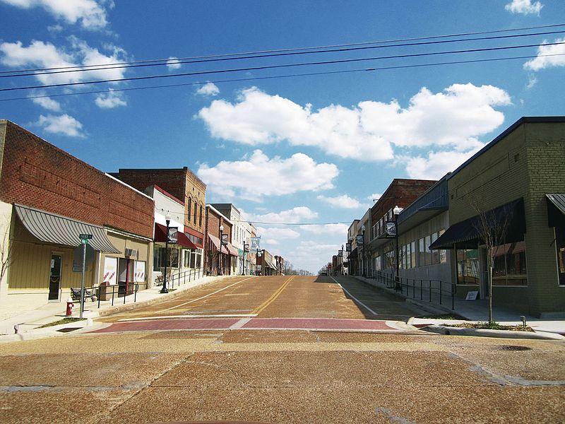 File:Downtown Baldwyn, MS.jpg