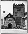 ENTRANCE TOWER EAST - Stan Hywet Hall, 714 North Portage Path, Akron, Summit County, OH HABS OHIO,77-AKRO,5-118.tif