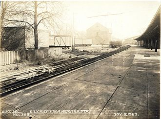 Milton station (MBTA) - Milton station in 1923, shortly before the conversion to trolleys