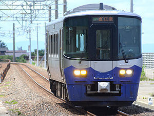 Echigo Tokimeki Railway - An ET122 diesel car on the Nihonkai Hisui Line in June 2015