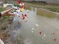 El río de Madrid acoge la Ceremonia del Pueblo Gitano 01.jpg