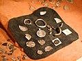 Elbląg, muzeum, fragmenty mincí.JPG