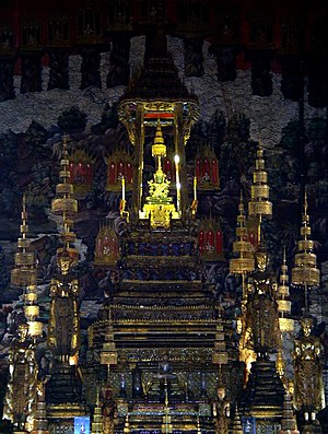 2005–06 Thai political crisis - The Emerald Buddha