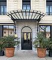 Entrée de l'hôtel Victoria à Valence (Drôme).jpg