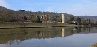 Ars-sur-Moselle - The river and a section of aqueduct in Ars-sur-Moselle