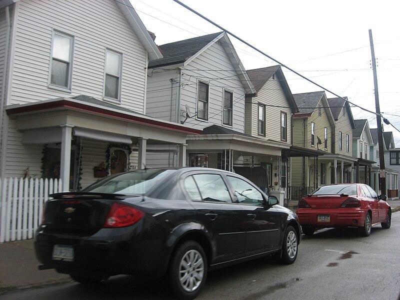 File:Fallowfield Avenue above Eighth Street in Charleroi.jpg