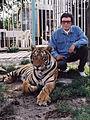 Fancy mit seinem Tiger.jpg