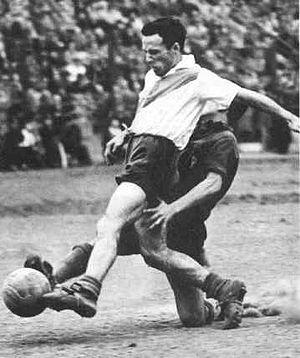 Félix Loustau - Loustau playing for River Plate